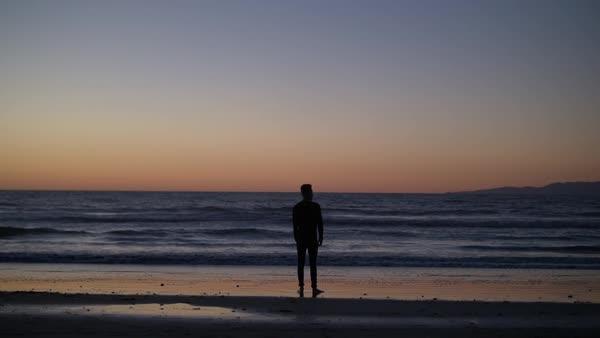 man looking at sunset bipolar disorder